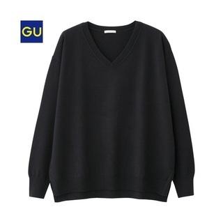 GU Vネックセーター