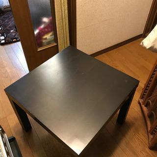 IKEAの黒ローテーブル