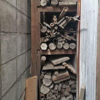 足場丸太、板材、古木をお譲りします