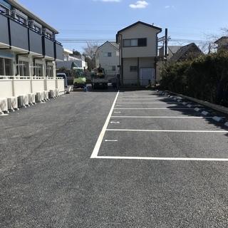 駐車場空きあります。