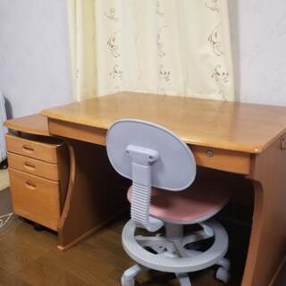 シンプルな勉強机