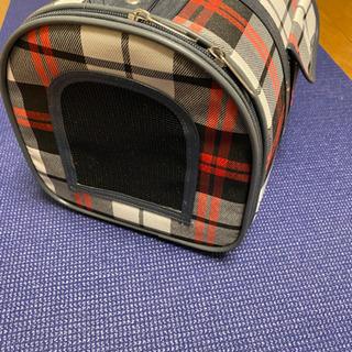 ペットのキャリーバッグ