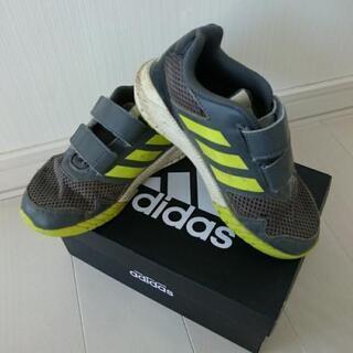 adidas スニーカー 18