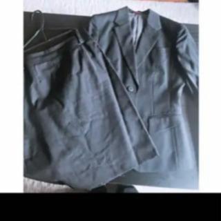 『Miss JUNKOのスーツ