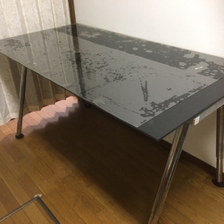 IKEAイケア、ガラステーブル