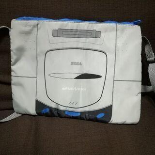 セガサターン柄の肩掛けバッグ