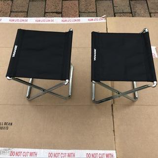 殆ど未使用!「小型の折り畳み椅子」2脚売ります