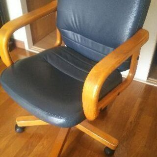 大人の勉強机の椅子