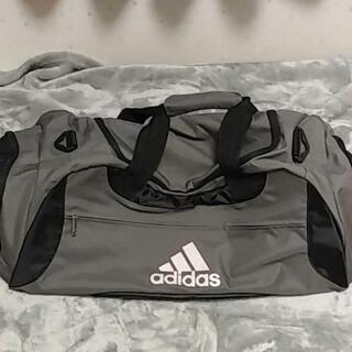 adidasスポーツバッグ
