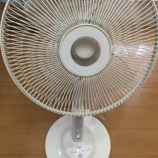 TOSHIBA 扇風機 首振り リモコン付き ヒビ割れあり