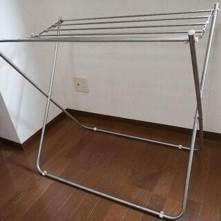 洗濯物干しスタンド(ニトリ 大判タオルハンガー(OTH-8054V))