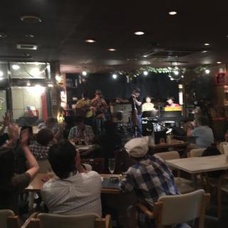 堺東のミュージックダイニングバーで働きませんか?!