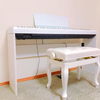 白ピアノ 椅子・スタンド付き