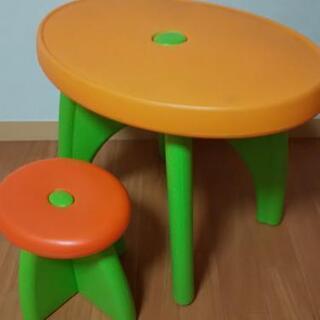 子供用 遊びテーブルとイス 中古