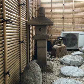 石灯籠とつくばい、石など