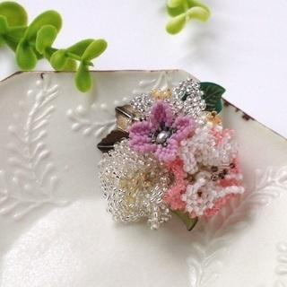 【ハンドメイド】春先取り☆桜&ハナモモのビーズブローチ