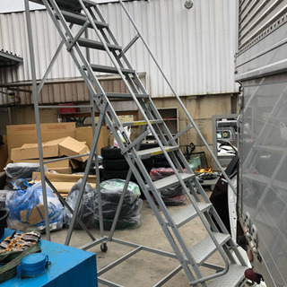 工場用タラップ