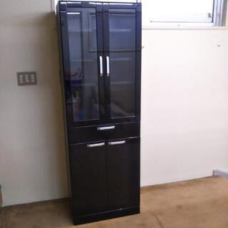 苫小牧から!黒い食器棚 中古品 58×37×175センチ