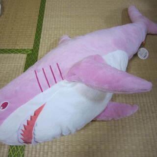 新品 サメ ピンクシャーク BIG ぬいぐるみ 美品 早い者勝ち☆
