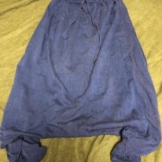ユニセックス/民族衣装店(仲屋無限堂)で買ったズボン。