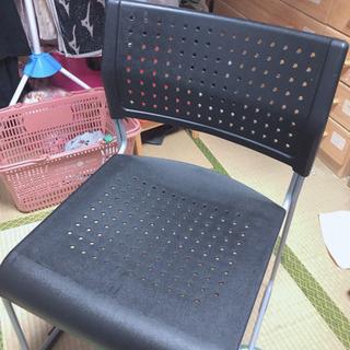 パイプ椅子◡̈*.。