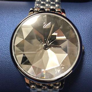 スワロフスキー 人気のスイス製ジュエリー時計 新品半額