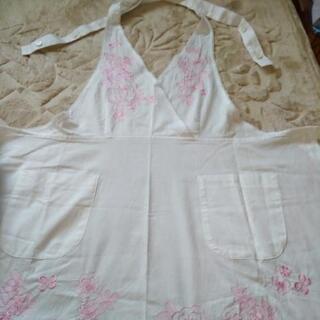 HANAE  MORI  フラワー刺繍エプロン🎽未使用 − 和歌山県