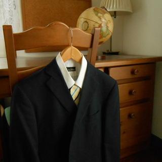 濃紺スーツ上下、シャツ、ネクタイのセット。(下はブルックス…