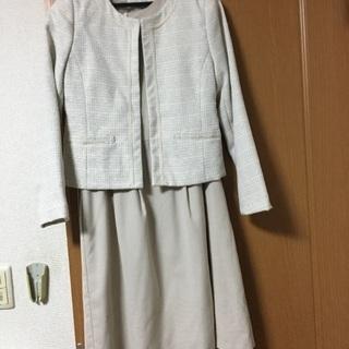 9号サイズのスーツ