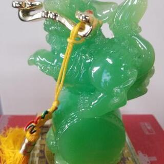 中国のお土産 翡翠風?緑石 獅子の置物