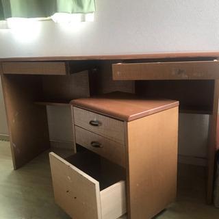 木製ワークデスク(勉強机として使用)の画像