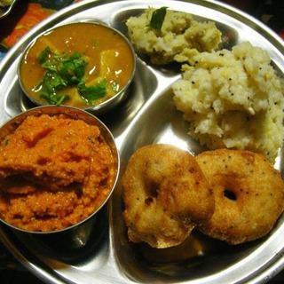 スパイスの極意を学んで南インド料理を作ろう!〜ティファン 〜
