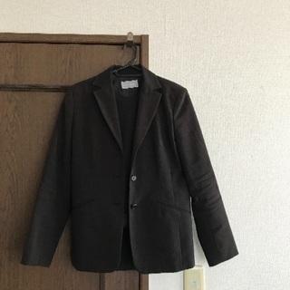 パンツスーツ
