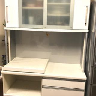 食器棚 2月24 日午前中まで
