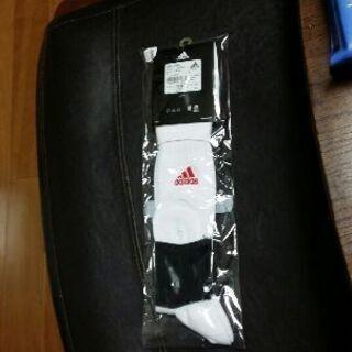 未開封adidas サッカーソックス 白×赤 22-24㎝