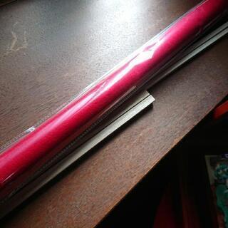 赤フェルト、木の棒