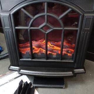 暖炉型ファンヒーター 電気 1200Wの画像