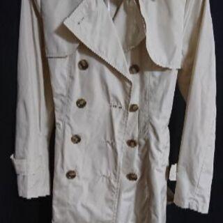 ベージュの春秋用コート