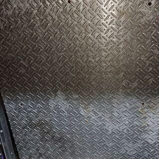 アルミの縞板