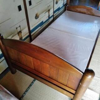 【商談中】シングルサイズの木製ベッドとマットレス