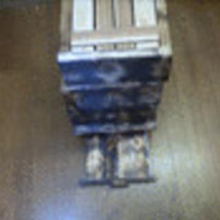 日本蜜蜂巣箱(頑丈型) * 置くだけ*5段式 4段+(1段・...