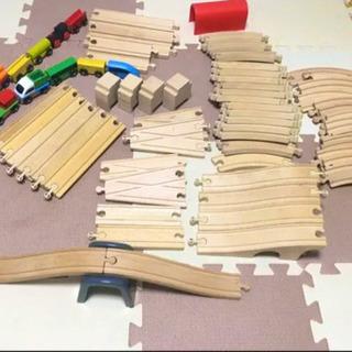 譲ります キッズ 電車 おもちゃ 木製 玩具 レール