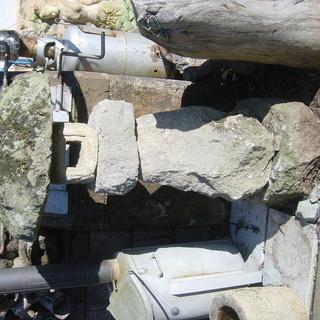 天然石の灯篭