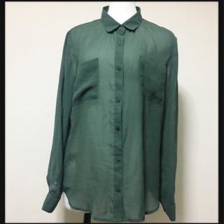 [ほぼ美品✦GU]とろみシャツ  シースルーブラウス  くすみグリーン
