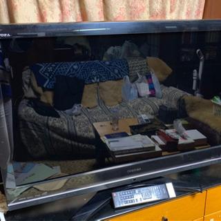 テレビ、ラジカセ、ダイニングセットなど家電、家具お譲りします。