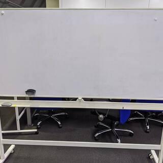 【取りに来ていただける方限定】オフィス用ホワイトボード