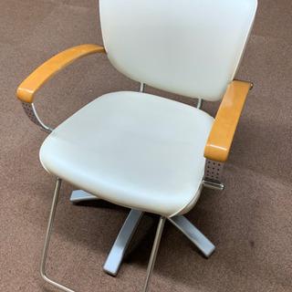 受渡し予定者あり 中古 美容室 タカラベルモント セット椅子