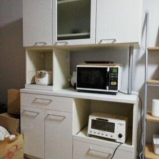 白い食器棚 大容量