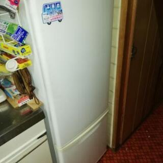【予約済】冷蔵庫NR-B173Wあげます