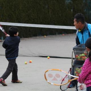 春のキンダー&キッズ・ジュニアテニス体験スクール参加者募集中
